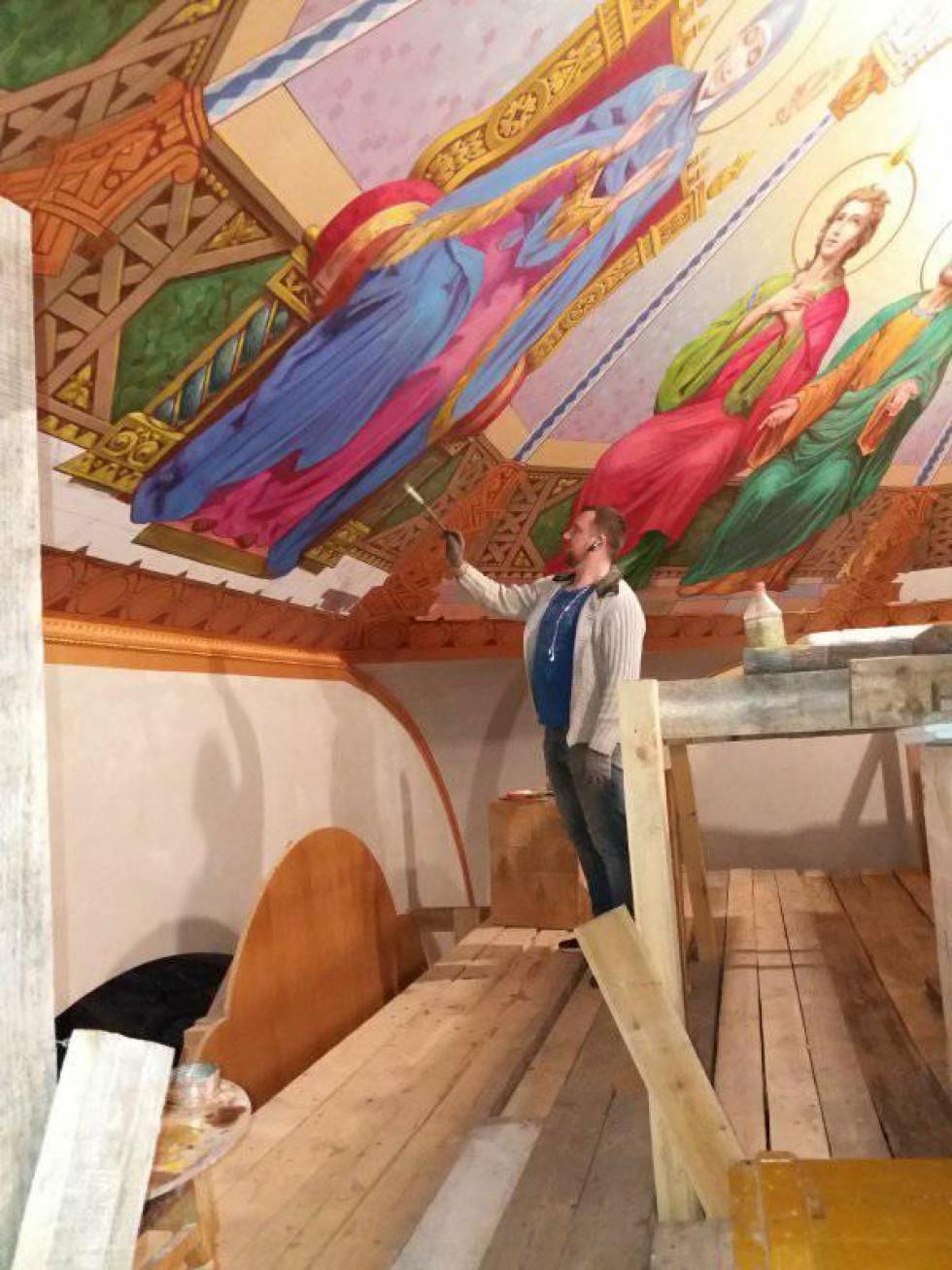 Юрій Гетьманчук творить чергову фреску